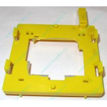 Жёлтый держатель-фиксатор HP 279681-001 для крепления CPU socket 604 к радиатору (Березники)